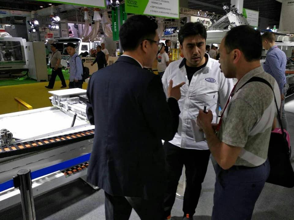 Представители 7ганч на выставке CIFF в Гуанчжоу